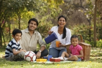 Family picnic - Deepak Budhraja