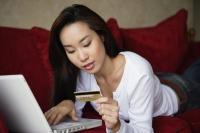 woman shopping online - Yukmin