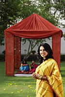 women in saris - Alex Mares-Manton