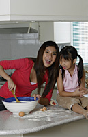 Mother and daughter baking together - Yukmin