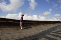 Man looking up to sky - Yukmin