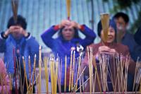 China,Hong Kong,People Preying at Wong Tai Sin Temple - Travelasia