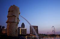 Singapore,Merlion Statue and Marina Bay - Travelasia