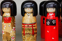 Traditional Japanese Kokeshi dolls - Travelasia