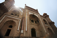 Sun burst over the top of Humayun's Tomb. New Delhi, India - Alex Mares-Manton