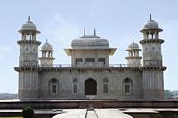 "Itmad-ud-Daulah's Tomb ""Baby Taj"" , Agra, India - Alex Mares-Manton"