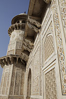 "Close up of ornate wall of Itmad-Ud-Daulah's Tomb or ""Baby Taj"", Agra, India - Alex Mares-Manton"