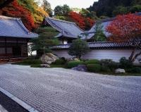 Japan, Kyoto, Nanzen-ji, dry zen garden dating to 1600 - Rex Butcher