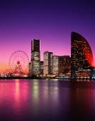 Japan, Yokohama, Minato Mirai 21, Landmark Tower, Queen's Square, National Conference Center at dusk - Rex Butcher