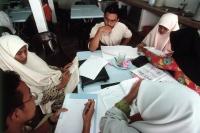 Malaysia, Kuala Lumpur, Muslim men and women study together at the International Islamic University. - Steve Raymer