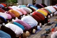 Malaysia, Kota Bahru, Muslim men praying at Kubang Kerian Mosque. - Steve Raymer