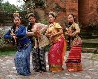 Indonesia, Bali, Balinese dancers in traditional costume - Jack Hollingsworth
