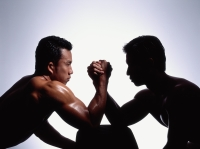 Two men arm wrestling, white background - Eric Ceret