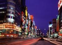 Japan, Tokyo, Shinjuku, busy junction at dusk - Rex Butcher