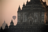 Myanmar (Burma), Bagan,  Hot-air balloon over the temples of Bagan - John McDermott