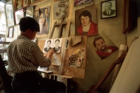 Vietnam, Hanoi, man painting in studio - Alex Mares-Manton