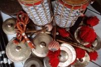 Indonesia, Bali, Gianyar, Cremation ceremony, gamelan instruments. (grainy) - Martin Westlake