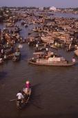 Vietnam, Can Tho, Hau river, Floating market. - Martin Westlake