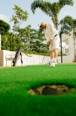Senior man playing golf - Alex Microstock02