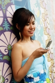 Young woman using mobile phone - Alex Microstock02