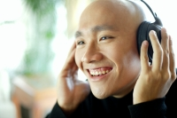 Man with headphones, listening to music - Alex Microstock02
