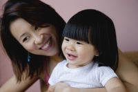 Mother with young daughter, smiling - Yukmin