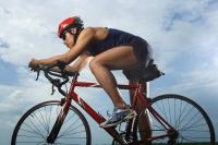 Man riding bike, racing - Yukmin