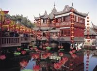 Zigzag bridge at Yu Yuan, Shanghai, China - OTHK