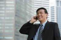 Businessman on the phone - Yukmin