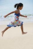 Girl running on the beach - Yukmin