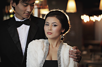 Young couple elegantly dressed at night - Alex Mares-Manton