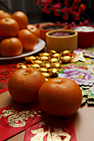 oranges and hong bao, red envelopes, Chinese New Year - Asia Images Group