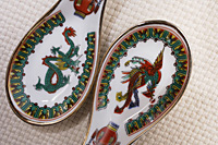Traditional dragon and phoenix spoons - Asia Images Group